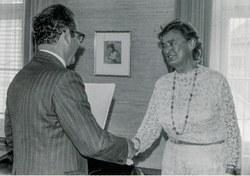 Natalie Beer bei Landeshauptmann Herbert Keßler, 1973
